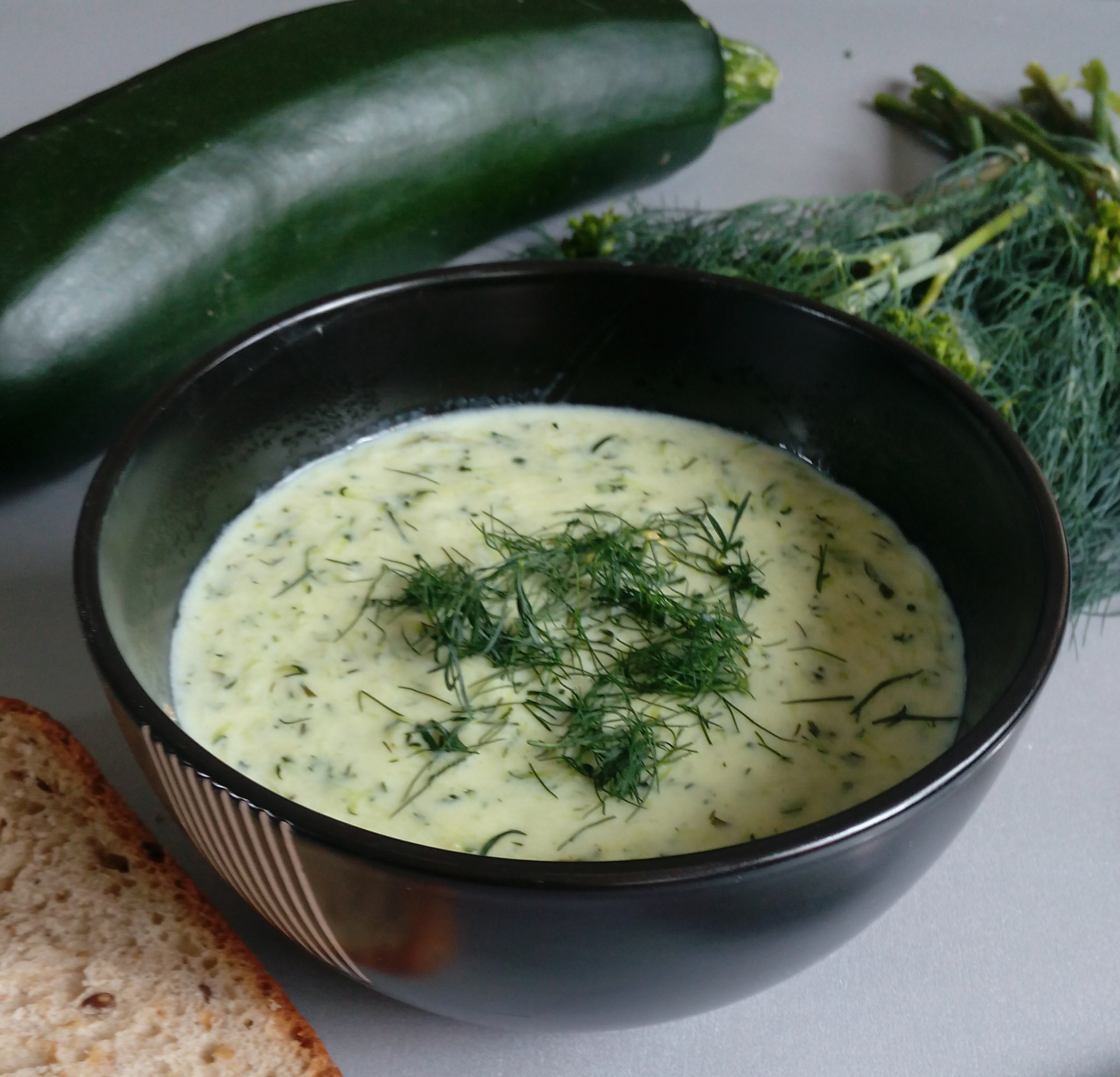 This 3-ingredients Zucchini Soup is what you need for those busy summer nights. Quick and easy to make, and most importantly it is very satisfying. Your family will LOVE it! | Healthy Food Recipes | simplyanchy.com
