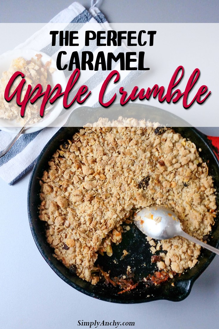This apple crumble recipe is really PERFECT! It has all the richness of flavors but it is much lighter than other apple crumble recipes! You must try it!   #applecrumble #caramelapplecrumble #applecrisp #caramelapplecrisp   simplyanchy.com