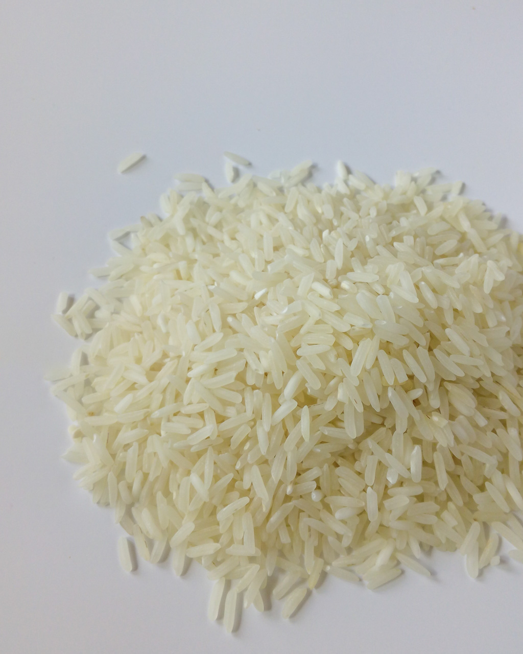 How To Cook Rice Perfectly Every Time – Cooking rice shouldn't be scary. Here is a simple tutorial on how to cook different types of rice perfectly every single time. The rice is going to be beautiful and fluffy, and you won't have burned bottom of the pan. | #howtocookrice #cookingrice #perfectlycookedrice #fluffyrice | simplyanchy.com